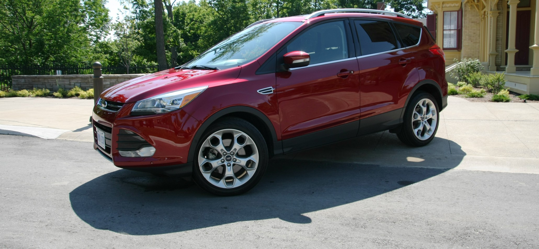 2015 ford escape 2 0 ecoboost titanium not your average soccer mom two auto cents. Black Bedroom Furniture Sets. Home Design Ideas